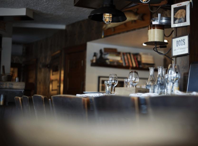 Le Chien Fumant Restaurant Montreal