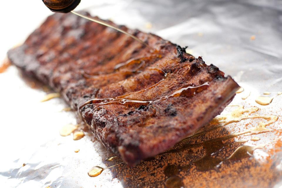 Les meilleures ribs de Montréal : où savourer d'excellentes côtes levées ?