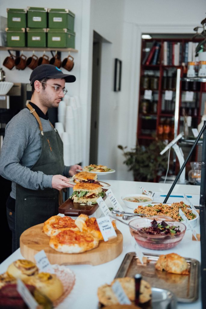 dave plant food bouffe comptoir lunch montreal village