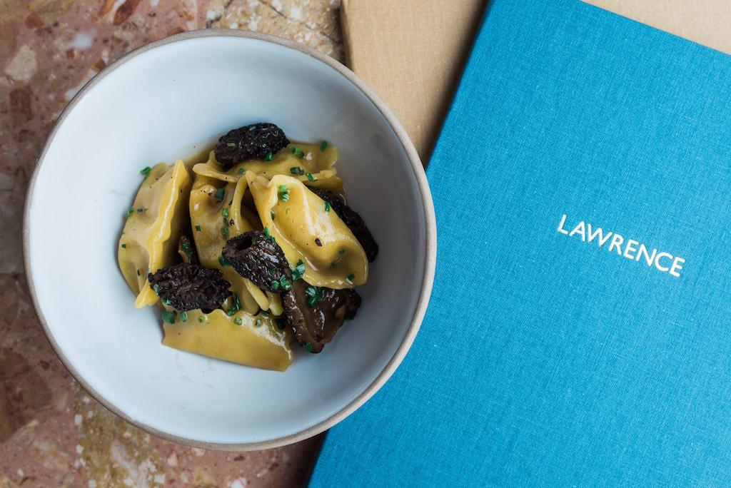Lawrence restaurant mile-end montreal larrys