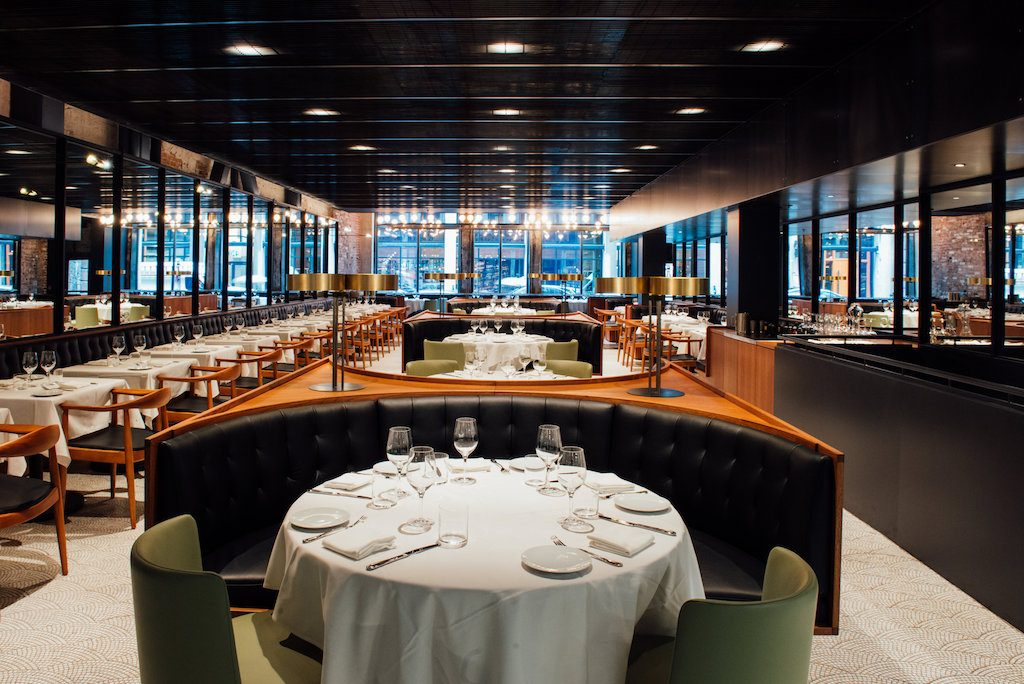 monarque restaurant Vieux Montreal old port