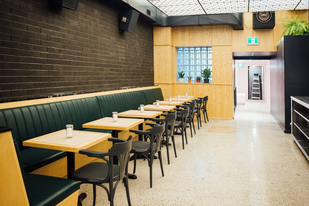 Bar St Denis Montreal