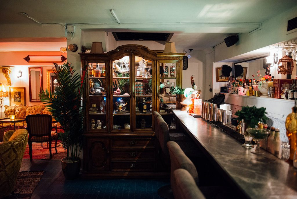 broken coconut speakeasy bar caché paperplane st henri montreal