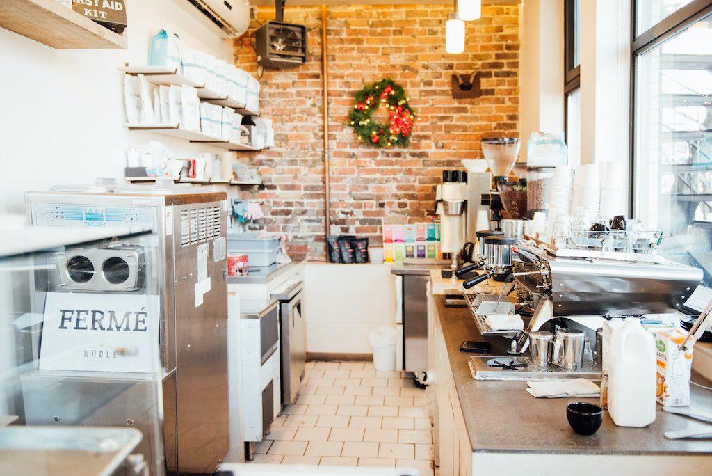 Café noble comptoir métro laurier