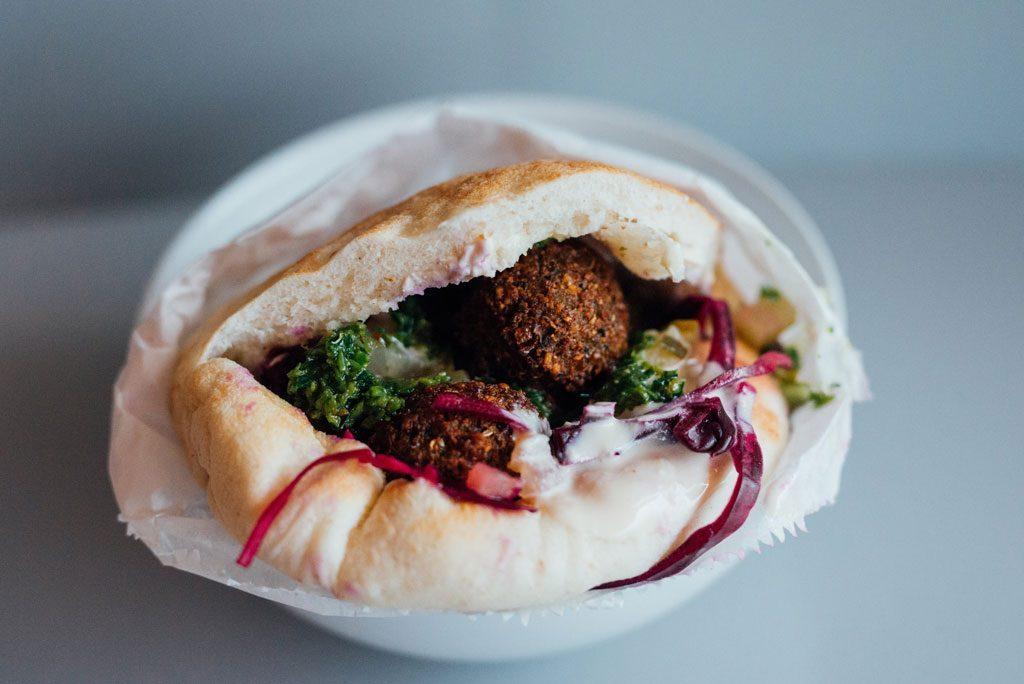 lunch moin 10$ mile end falafel yoni